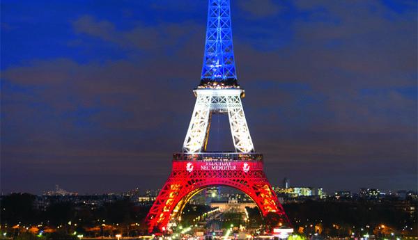 Айфеловата кула стана на 130 г - Любопитно - Стандарт Нюз